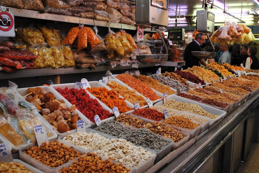 Сухофрукты на валенсийском рынке, Валенсия для бюджетных путешественников
