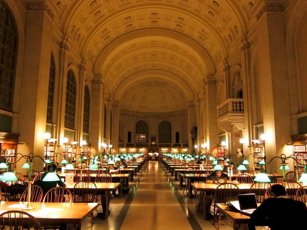 Национальная Библиотека, бесплатные достопримечательности Бостона