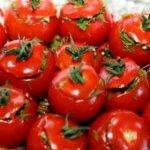 prigotovlenie-solenyih-farshirovannyih-pomidorov