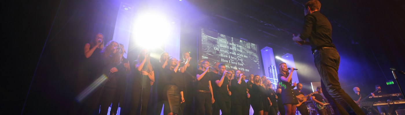 Romans Twelve zingt Walk With Me van Jesus Culture