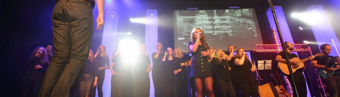 Romans Twelve zingt Walk With Me van Jesus Culture - Lid worden