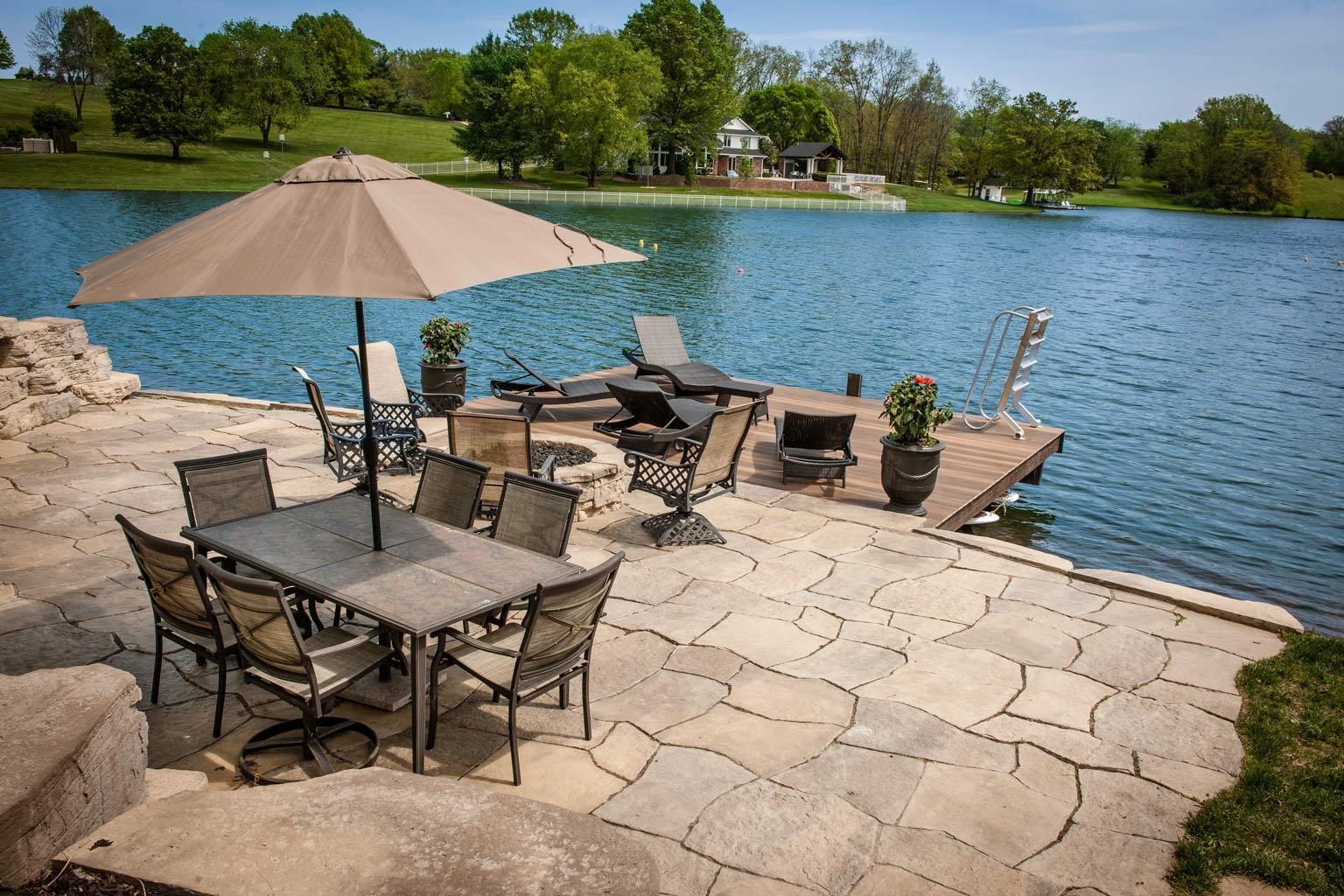 Grand Flagstone creates a beautiful natural patio