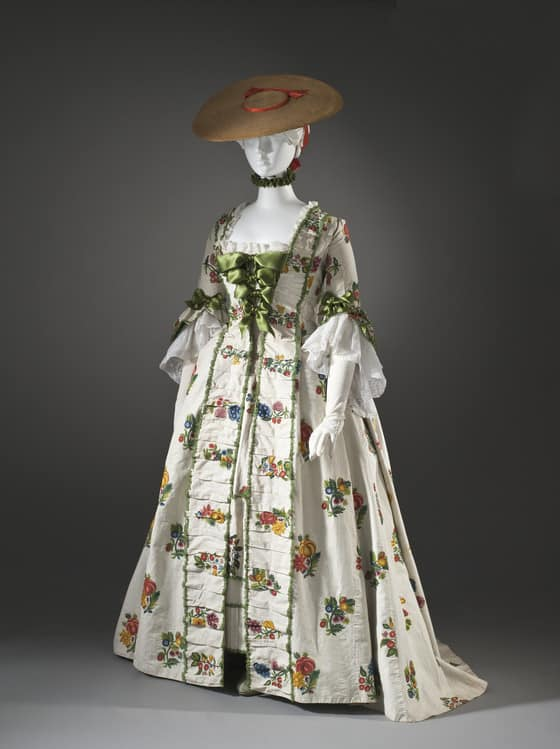 Crewelwork Linen Gown inspiration - front of gown held at LACMA
