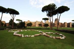 Il Terzo Paradiso. Image courtesy: http://www.arte.it/foto/da-carrara-a-caracalla-una-mela-trova-il-suo-paradiso-679/4