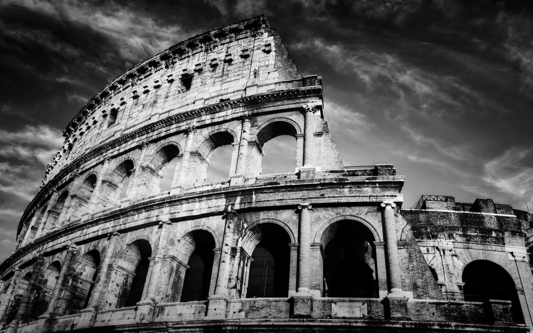 Whats the best time of day to visit the Colosseum?