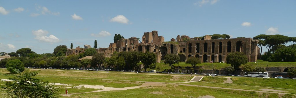 The difference between the Palatine Hill, Colosseum, and Roman Forum