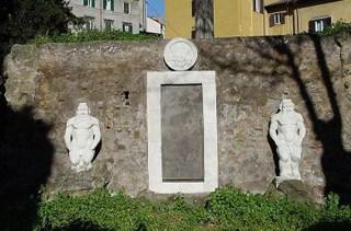porta alchemica piazza vittorio a roma porta ermetica