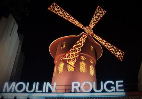 Moulin Rouge, París, Francia, Junio 2013 - viajarcaminando.org