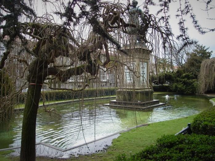 Paseando por el Parque La Alameda, Santiago de Compostela, Galicia, España, 2008