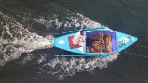 Vendedores ambulantes en bote, navegando por el Nilo, Egipto, marzo 2016 | viajarcaminando.org