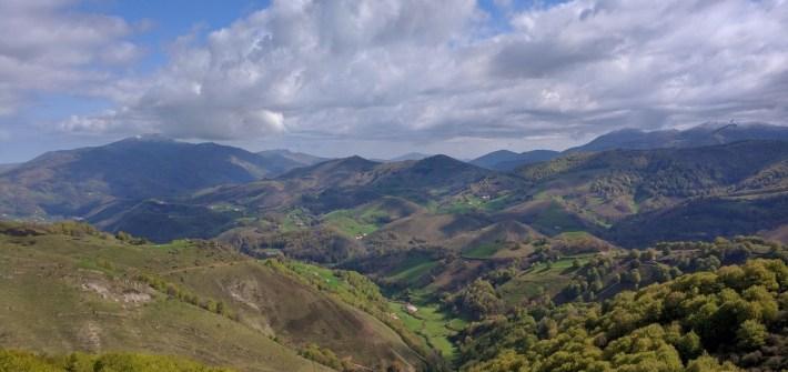 Vistas del sur de Francia, frontera de Navarra, España, mayo 2016 | viajarcaminando.org