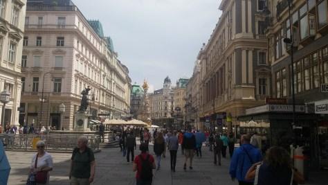 Plaza y peatonal, Stephanplatz, Viena, Austria, junio 2016 | viajarcaminando.org