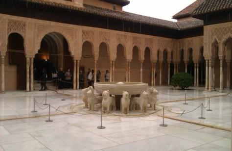 Fuente de los leones, La Alhambra, Granada, 2010