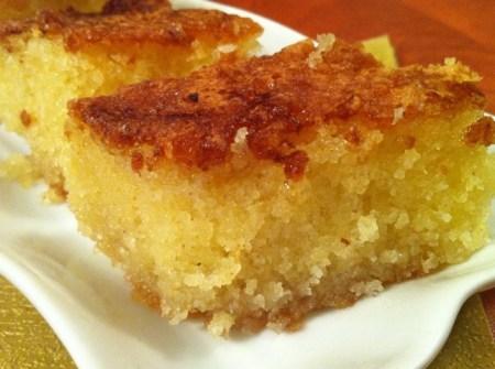 עוגת סולת דחוסה ומתוקה