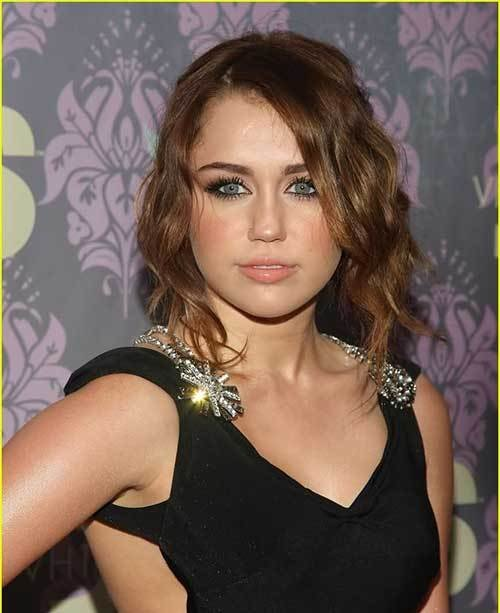 The Best Short Wavy Hairstyles For Round Faces Pictures