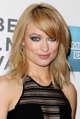 The Best 29 Medium Length Hairstyles With Side Swept Bangs Wavy Straight Ponytails More Page 1 Of 2 Pictures