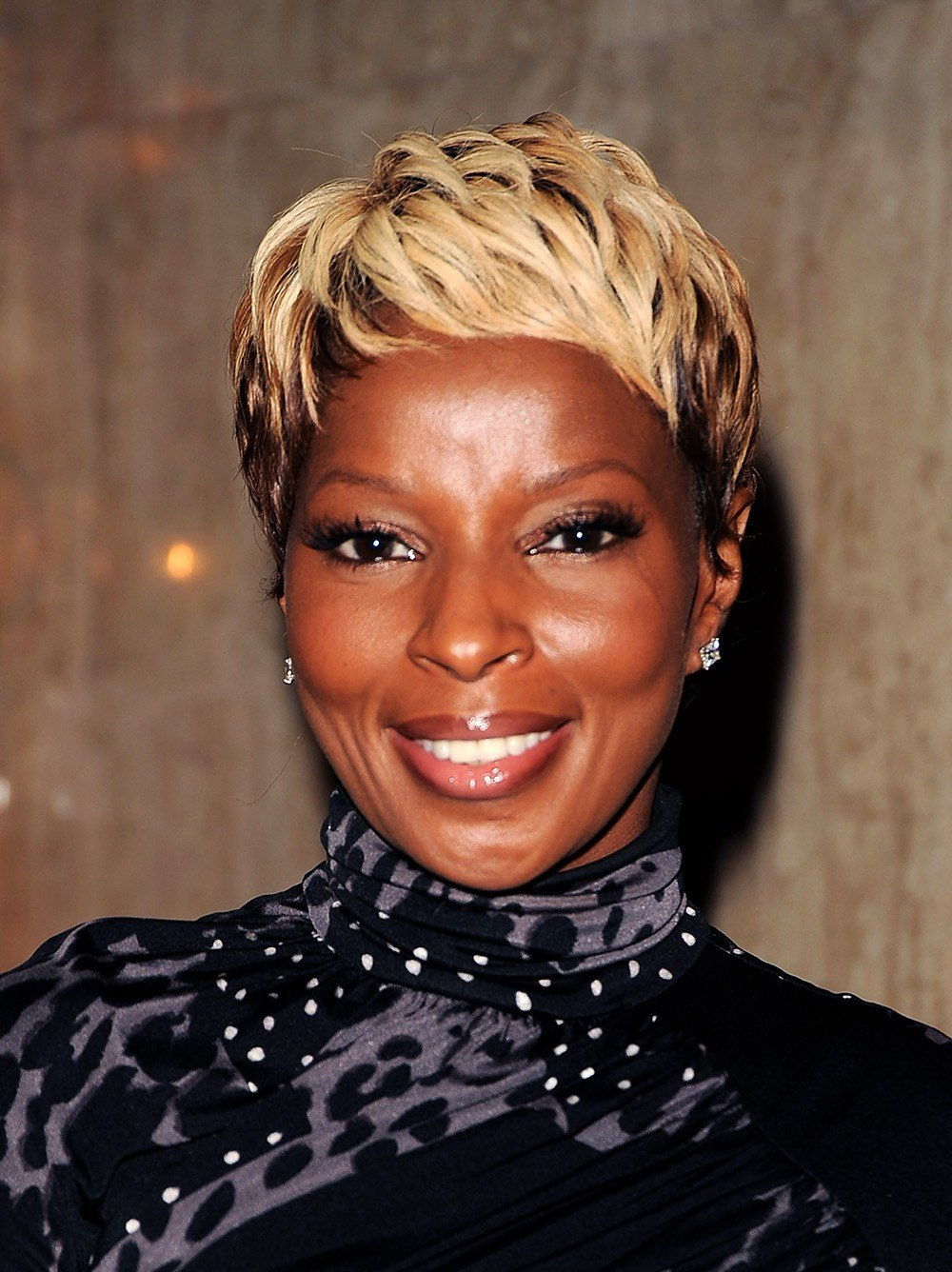 The Best Mary J Blige Hairstyles Essence Pictures