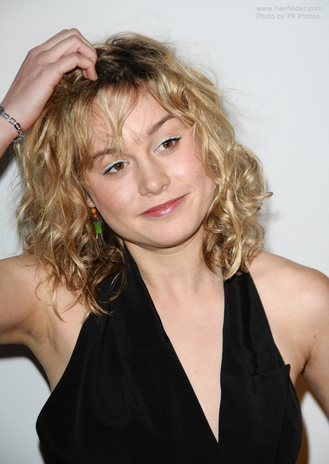 The Best Brie Larson S Medium Long Haircut For A Natural Look With Pictures