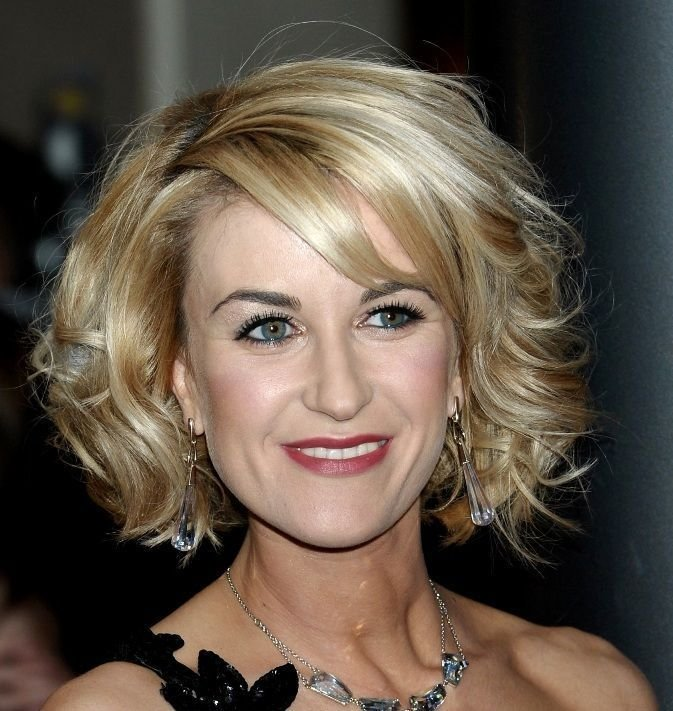 The Best Hairdos For Middle Age Women Hairstyles For Middle Aged Pictures