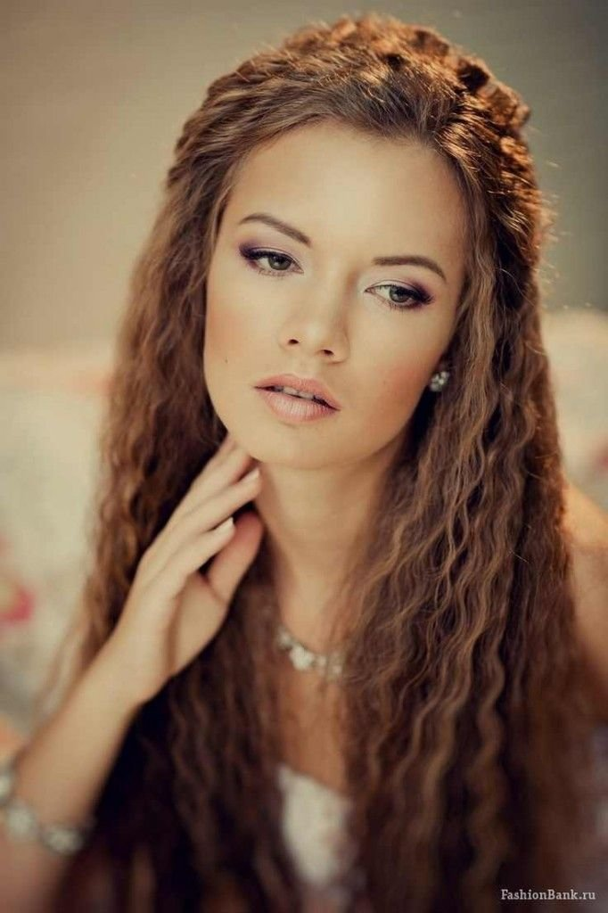 The Best Crimped Hairstyles Are A Prevailing Trend On Runways And Pictures