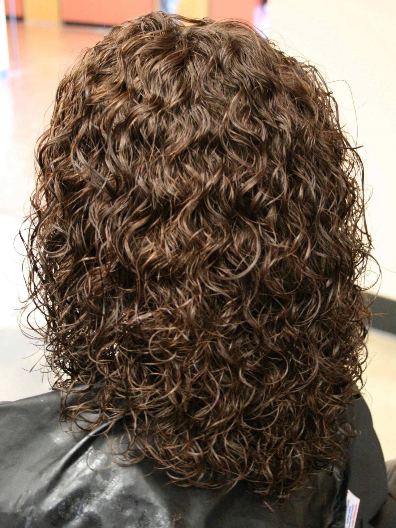 The Best Perms For Medium Length Hair Spiral Perm Hairstyles On Pictures