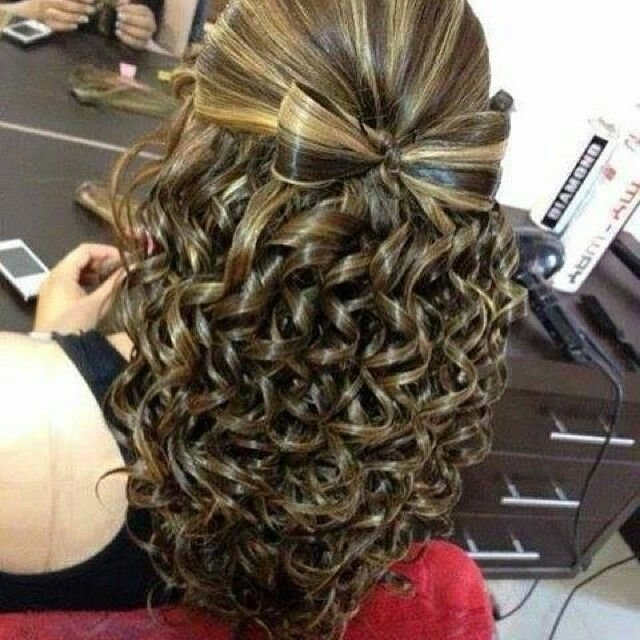 The Best Bow With Waterfall Curls Hairstyle Do That Hair Hair Pictures