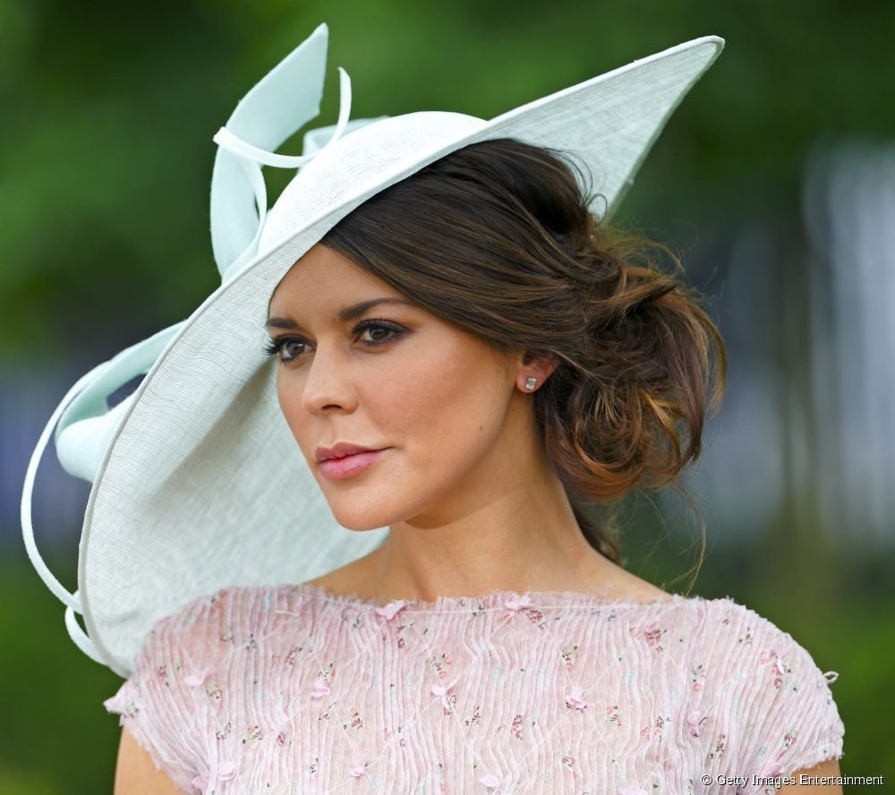The Best Hairstyles For Hats Ascot Google Search Hair Dos For Thick Mops Hat Hairstyles Hair Pictures