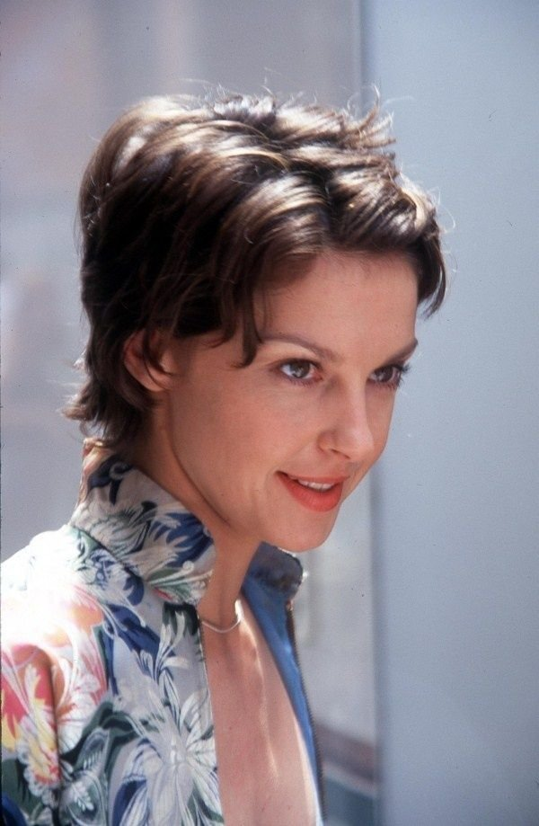 The Best Ashley Judd Short Haircut Pictures Someone Like You Pictures