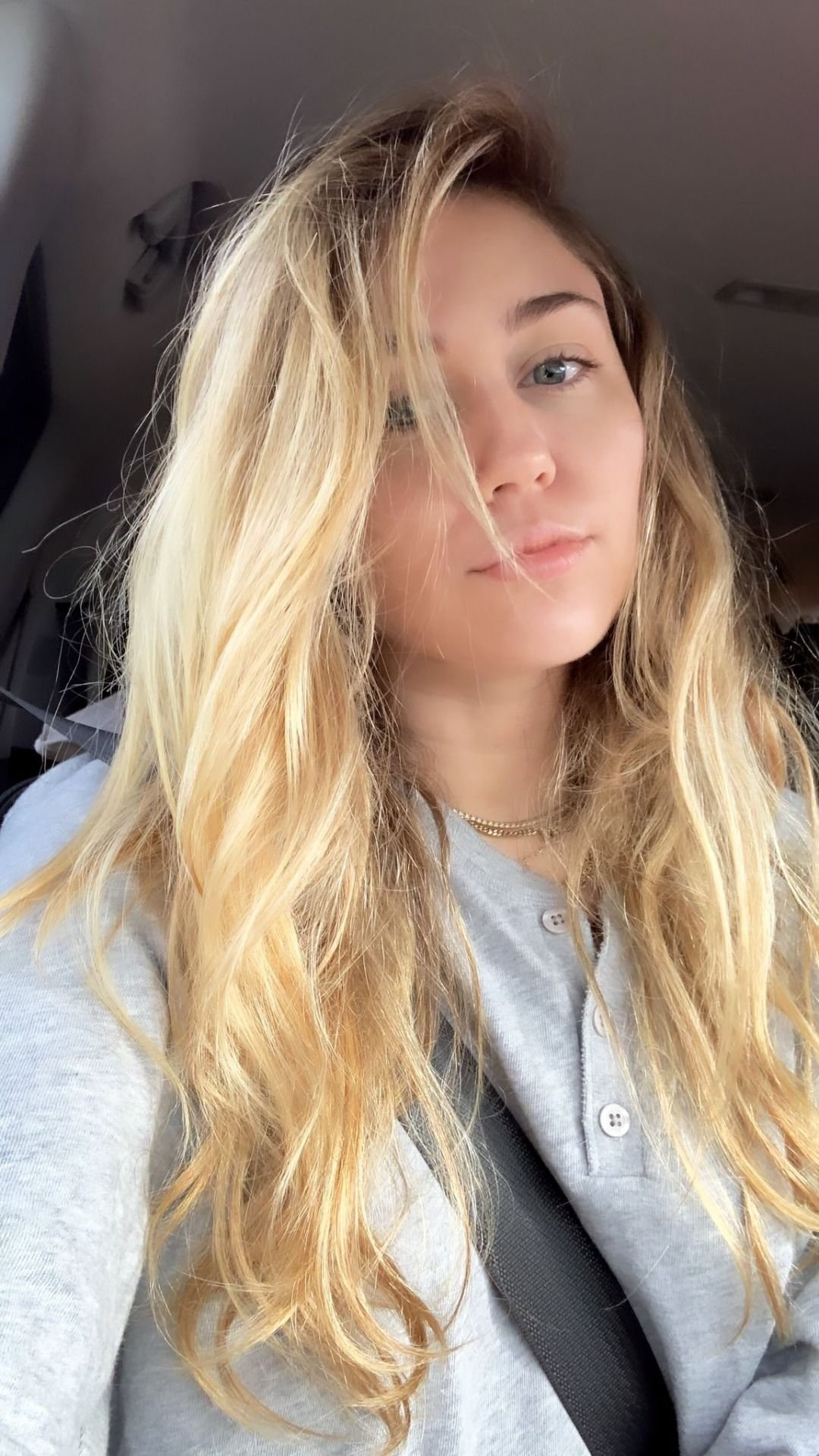 The Best Miley Cyrus Daily Miley ️ In 2019 Miley Cyrus Hair Miley Cyrus Selena Gomez Miley Cyrus Pictures