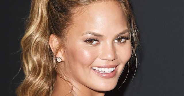 The Best 7 Easy Hairstyles That Make Your Face Look Slimmer Byrdie Uk Pictures
