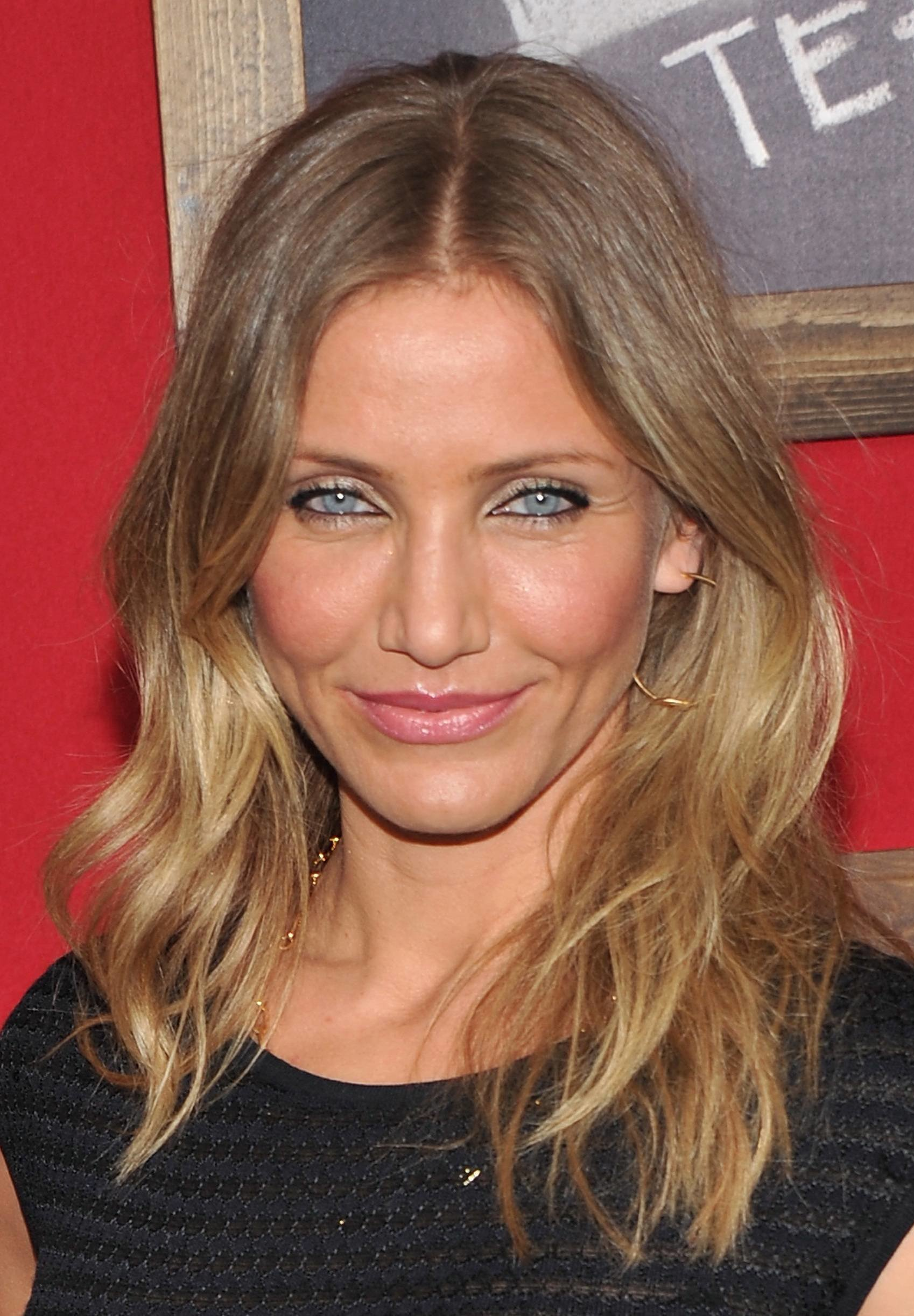 The Best Cameron Diaz Style Mewz Pictures