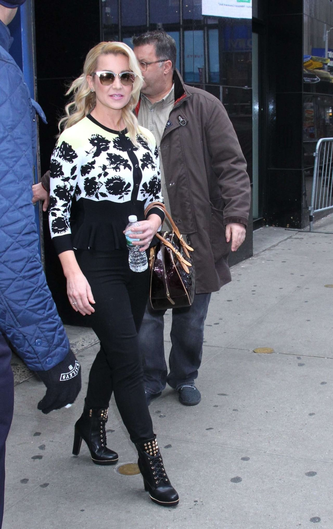 The Best Kellie Pickler Is Stylish Leaving Gma In Nyc 01 10 2019 Pictures