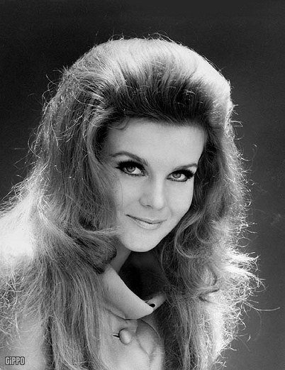 The Best Hairstyle Years 60 S 70 S • Girls Women Vintage Fashion Pictures