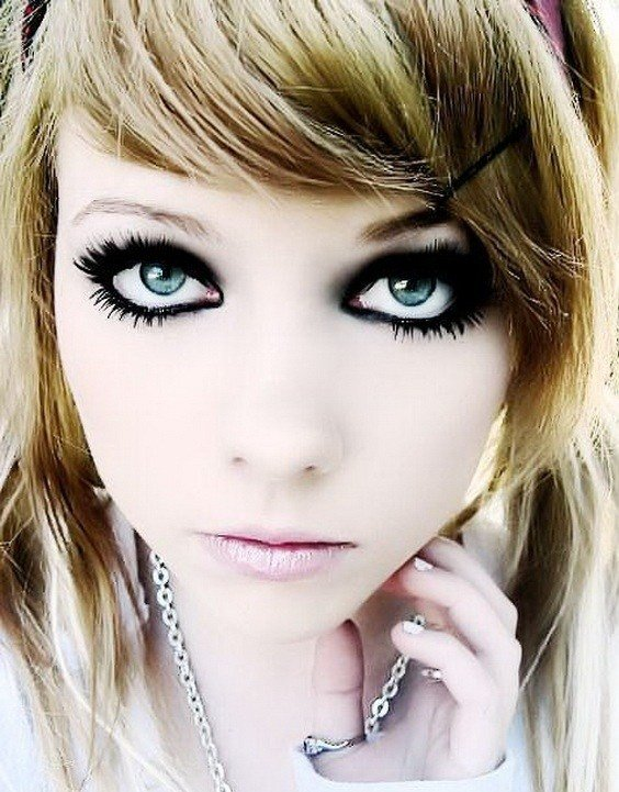 The Best Medium Emo Hairstyle For Girls Latest Hairs For Girl Pictures