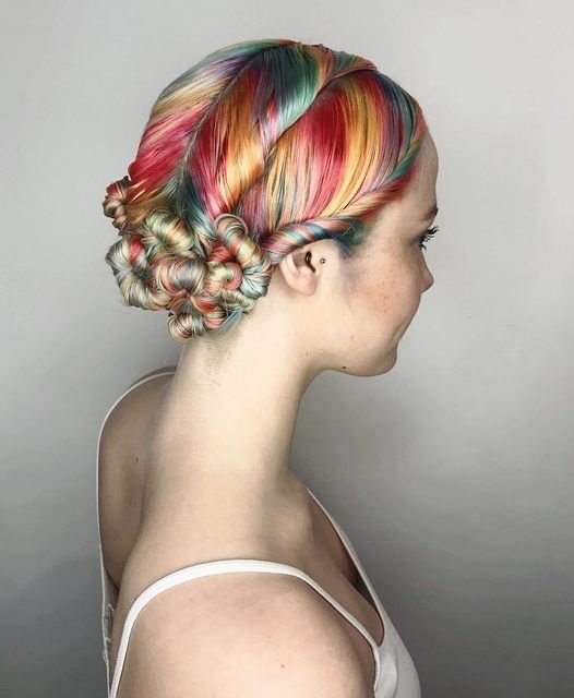 The Best 18 Easy Summer Hairstyles That Aren T Braids Revelist Pictures
