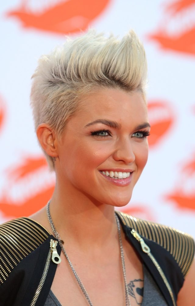 The Best 15 Gorgeous Mohawk Hairstyles For Women This Year Pictures