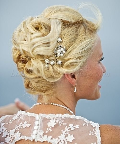 The Best Short Hairstyles For Wedding Mother Of Groom Beach Pictures