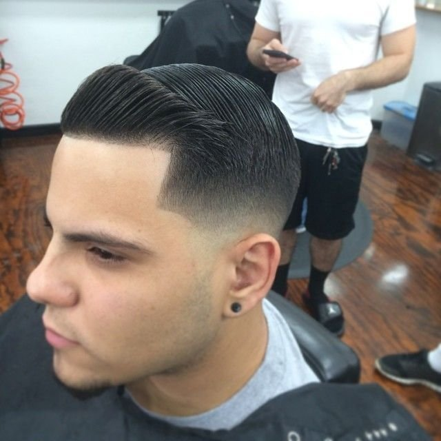 The Best Tight Low Fade With Combover And Crisp Line Up Men Hairstyles Pinterest Shops Barber Shop Pictures
