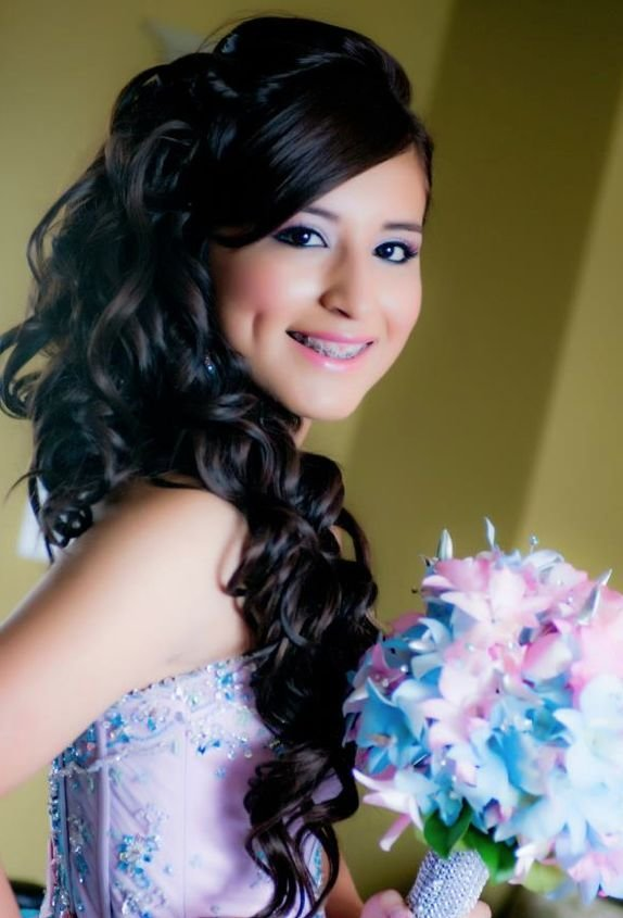 The Best Quinceanera Hairstyle She Is Soo Pretty Quinceañera Pictures