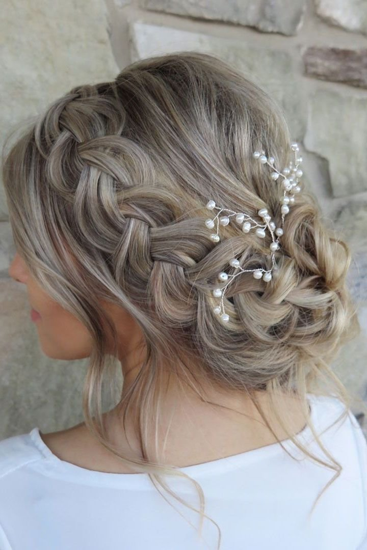 The Best 25 Chic Updo Wedding Hairstyles For All Brides Loose Pictures