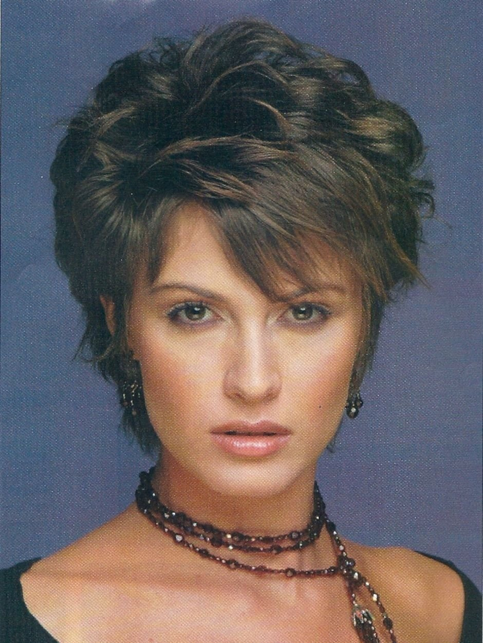 The Best Layered Haircuts For Short Hair Over Hairstyles For Women Pictures