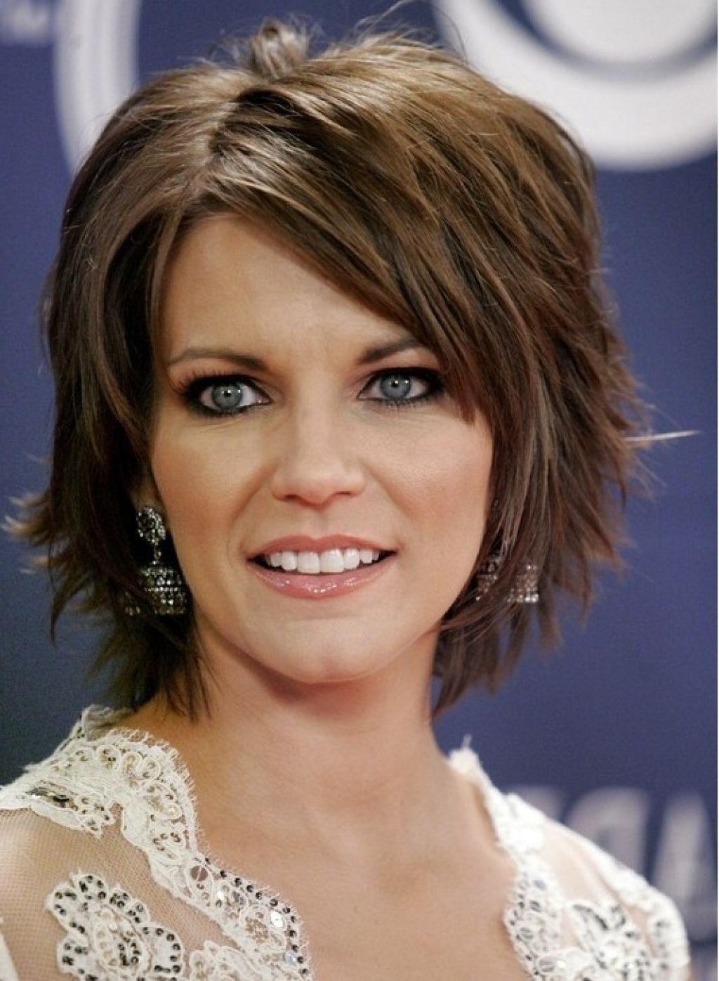 The Best Short Layered Bob Hairstyle Pictures Gallery Of Layered Pictures