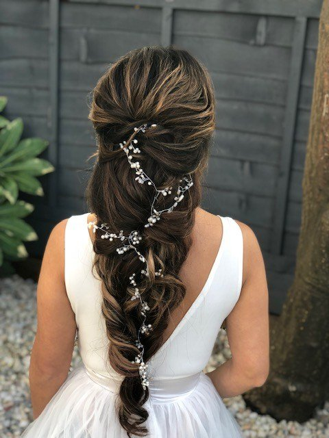 The Best Wedding Hair Styles For Long Hair Wedding Make Up And Pictures