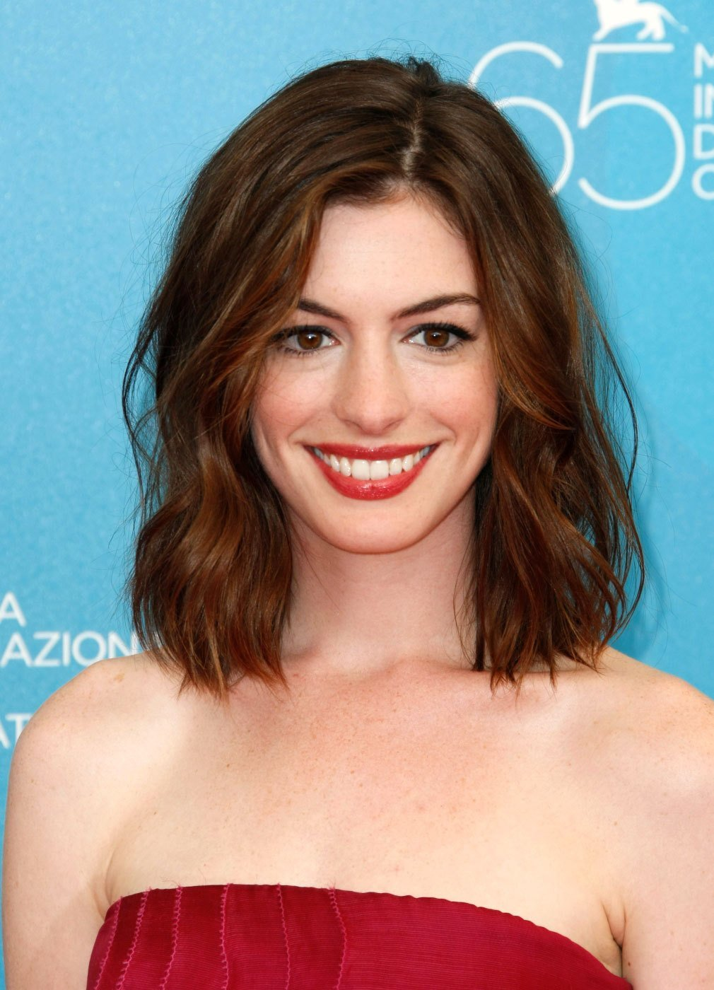 The Best Anne Hathaway Hairstyle Easyhairstyler Pictures