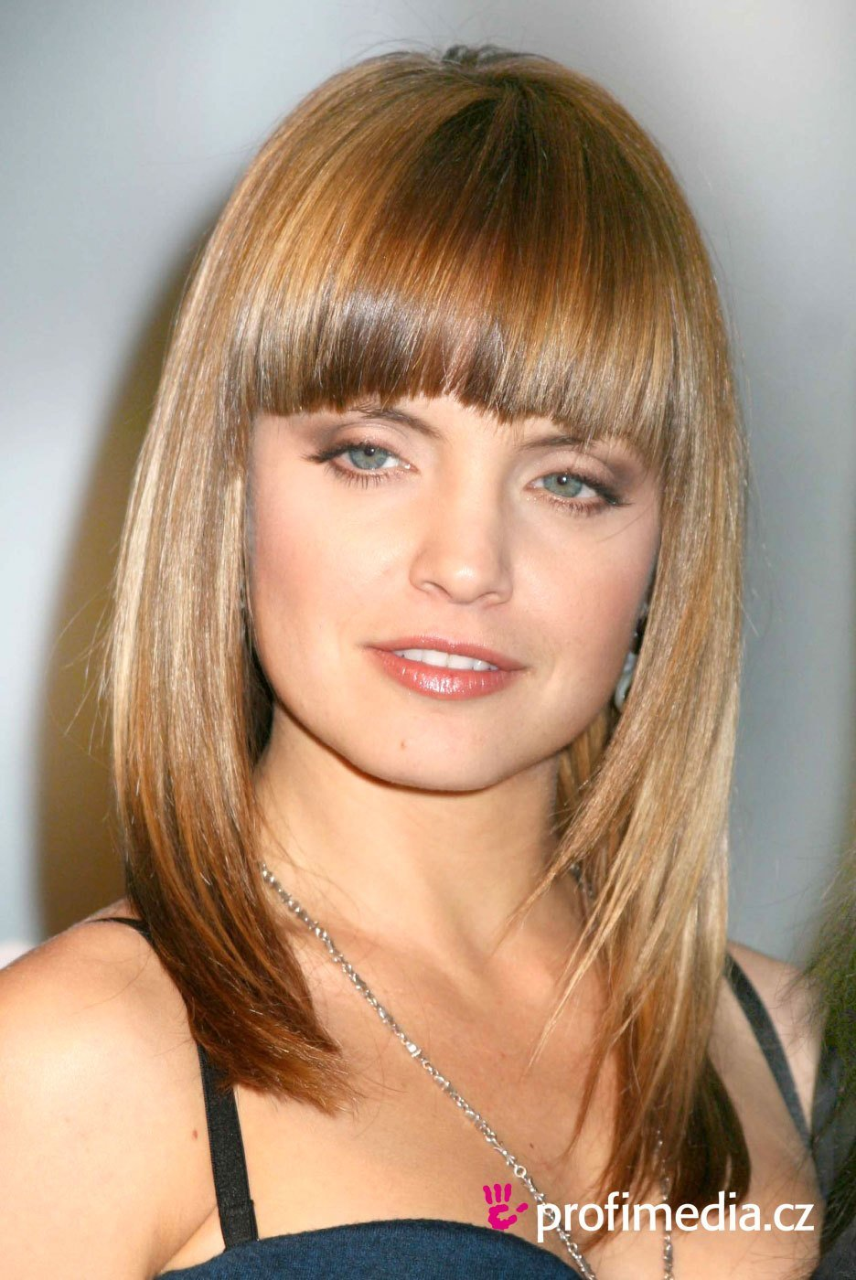 The Best Mena Suvari Hairstyle Easyhairstyler Pictures