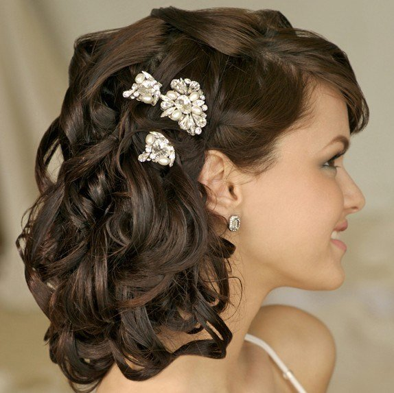 The Best 20 Beautiful Half Up Curly Hairstyles Every Lady Should Pictures
