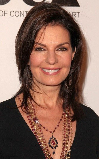 The Best Hairstyles Sela Ward Medium Layered Hairstyle Pictures