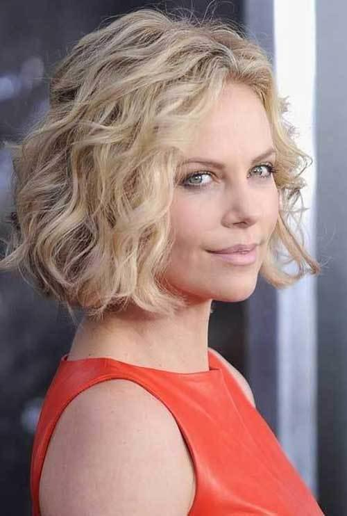 The Best 10 Short Wavy Hairstyles For Round Faces Short Pictures