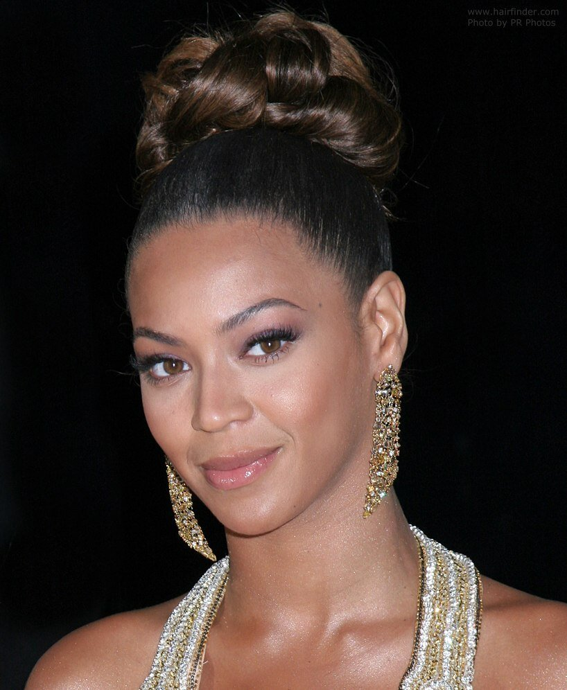 The Best Beyonce Knowles With Her Hair Worn Up With Curls In The Crown Pictures