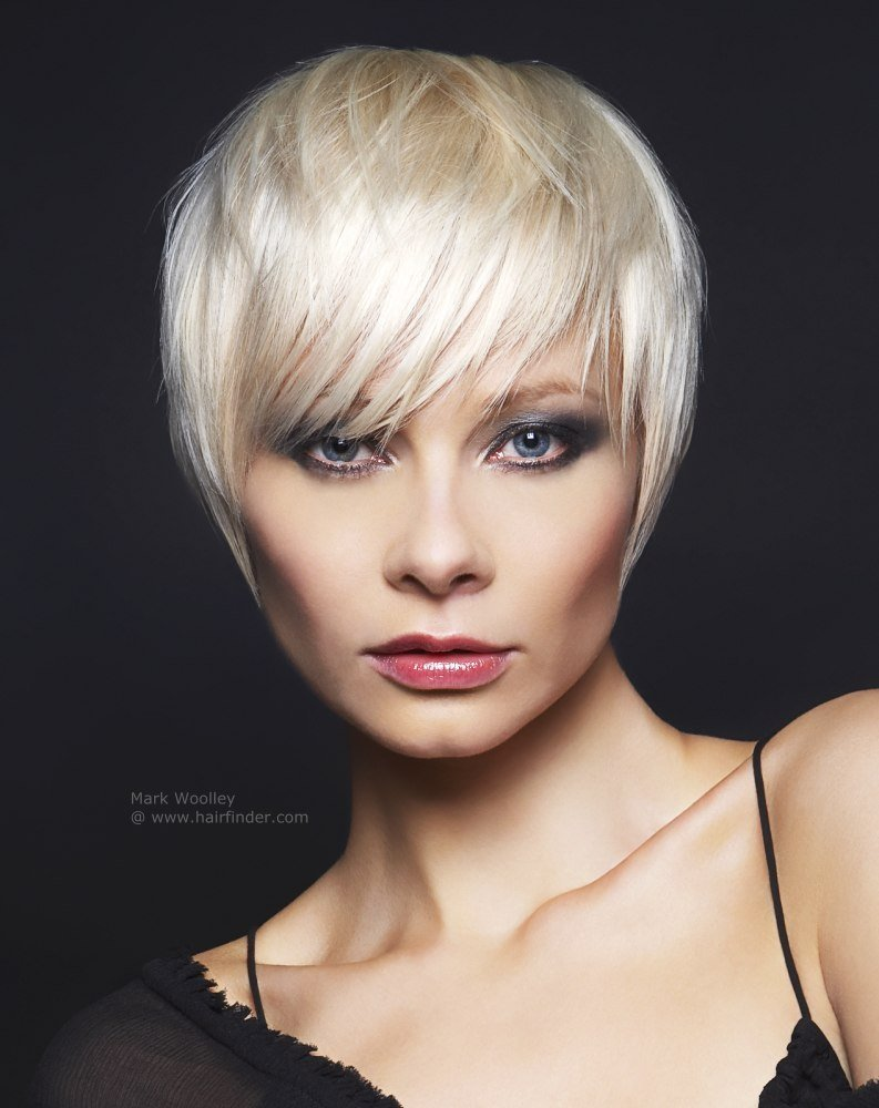 The Best Short Blonde Hairstyle That Fits The Shape Of The Head Pictures